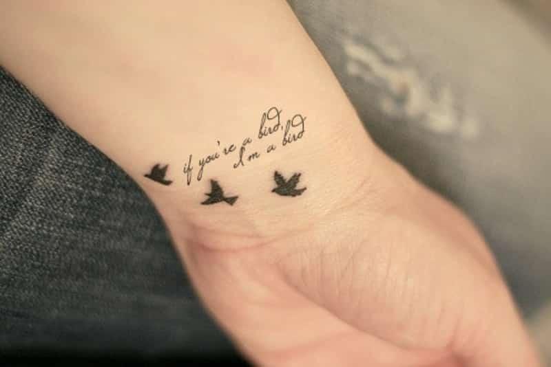 aves-tatuajes-mujeres-muñeca