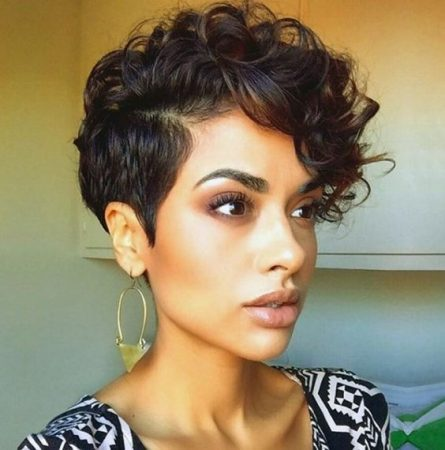 Short Pixie Hair in Wavy haircuts