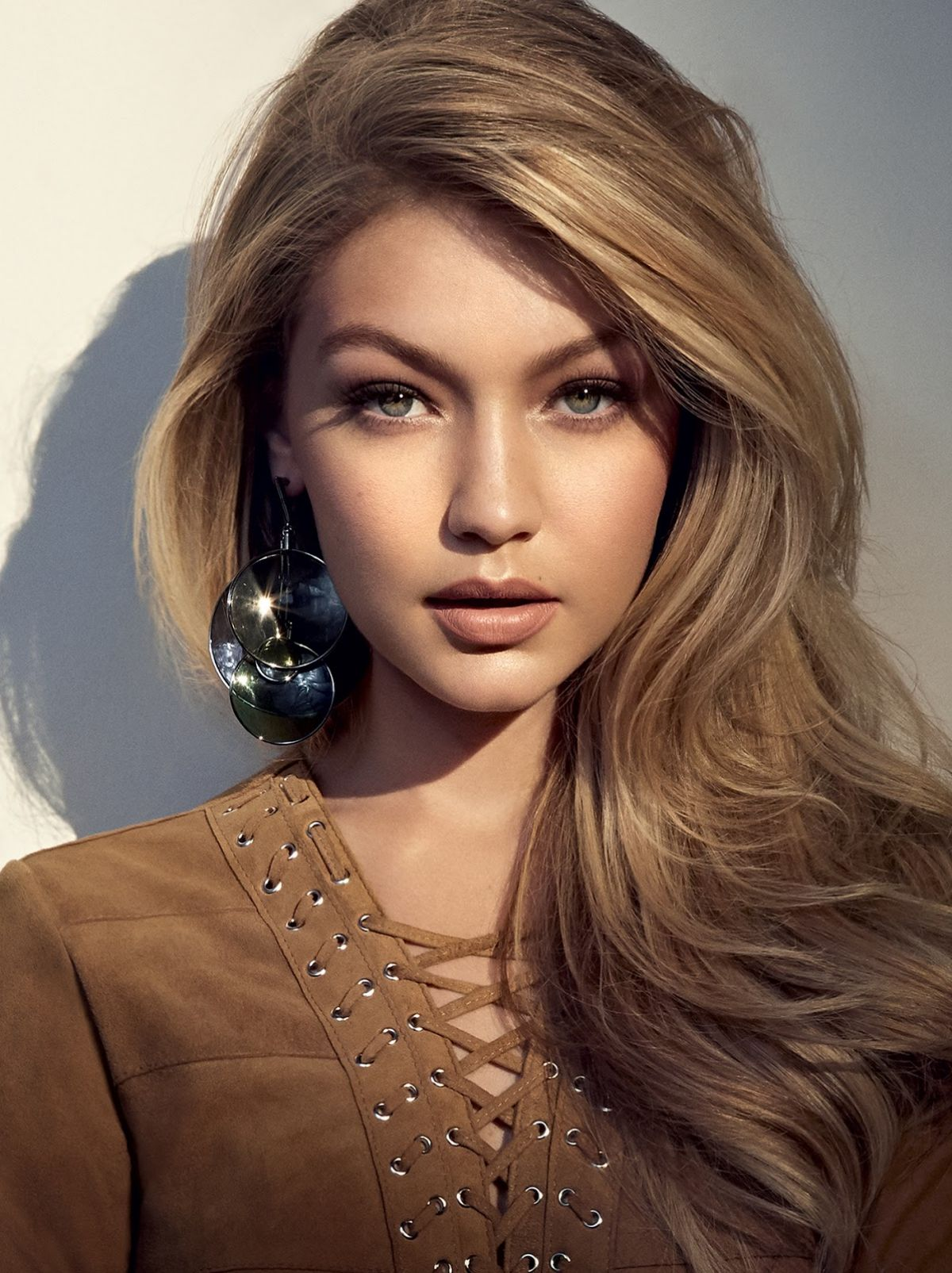 gigi hadid hair colors for 2016 winter1