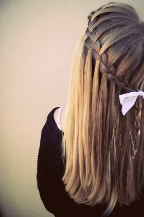 Otro peinado con trenzas de cascadas cruzadas me gusta mucho y se utiliza  actualmente