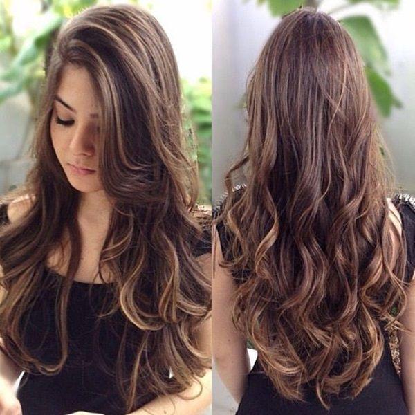 Corte de cabello largo y ondulado