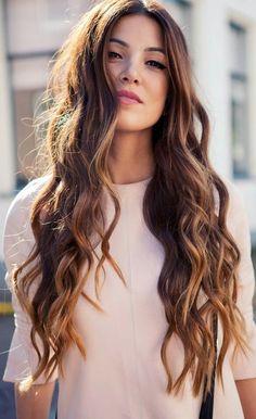 cabello ondulado pelo largo