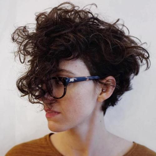 cabello ondulado pixie