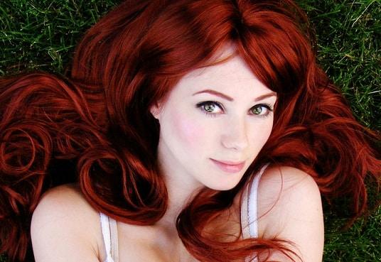 cabello rojo cereza tendencia