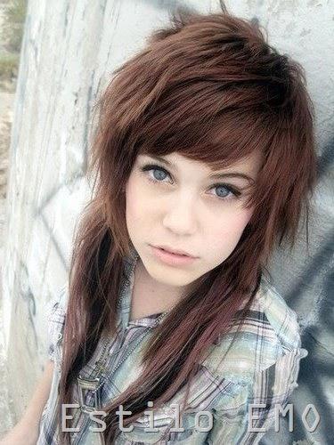 Corte de pelo corto para mujer morena