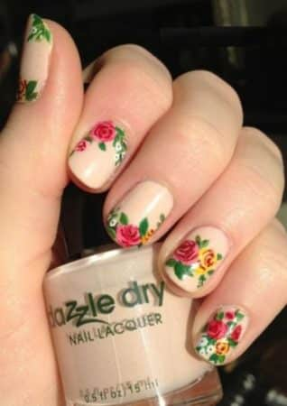 nail art with flower