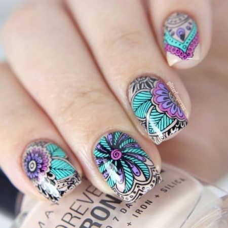 Nail designs with large flowers