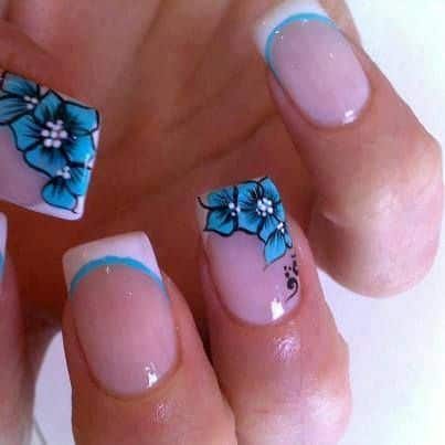 Nails design with white