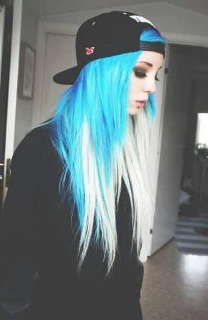 mechas de colores azul puntas blancas