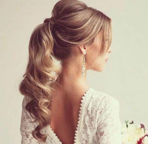 una coleta simple es idea para una peinado sencillo que te resta aos y te hace ver ms joven ya que es un peinado adolescente - Peinados Chulos