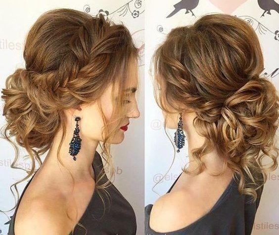 Peinados recogidos que tapen las orejas