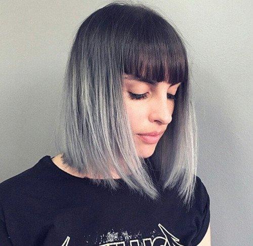 Cabello corto gris