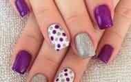 uñas-a-3-colores-violeta-blanco-y-plateado