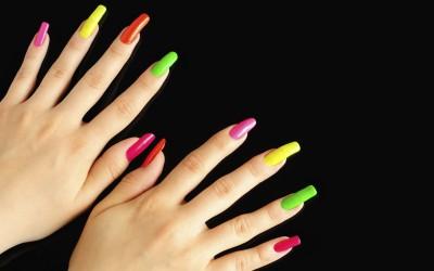 uñas postizas de colores
