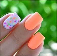 diseños de uñas con puntos y flores