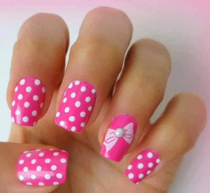 decoración de uñas con puntos y lineas