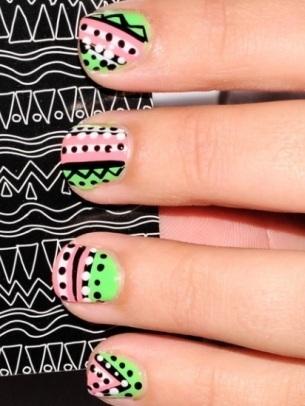 decoracion de uñas con puntos