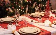 8418_mesa-de-navidad-con-manteles-individuales-rojos