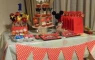 Mesa de dulces de Mickey Mouse