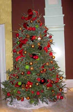 arbol-navidad-tradicional-rojo