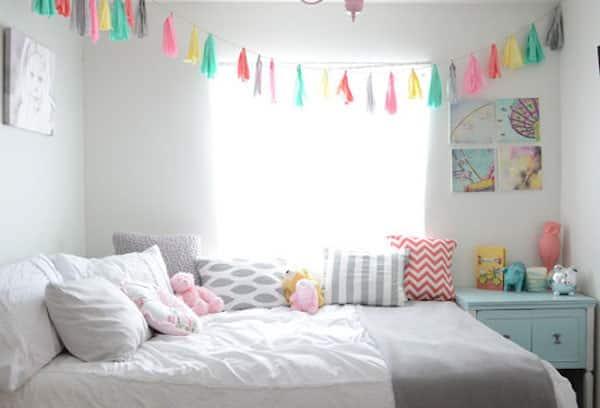 dormitorio para nia en colores para transmitir paz armona y confort agregando diversin mediante un colgante diferentes lazos lo cual le da elegancia