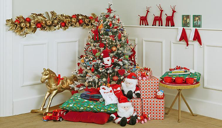 32 adornos y tendencias de arbol de navidad para decorar for Fotos decoracion navidad