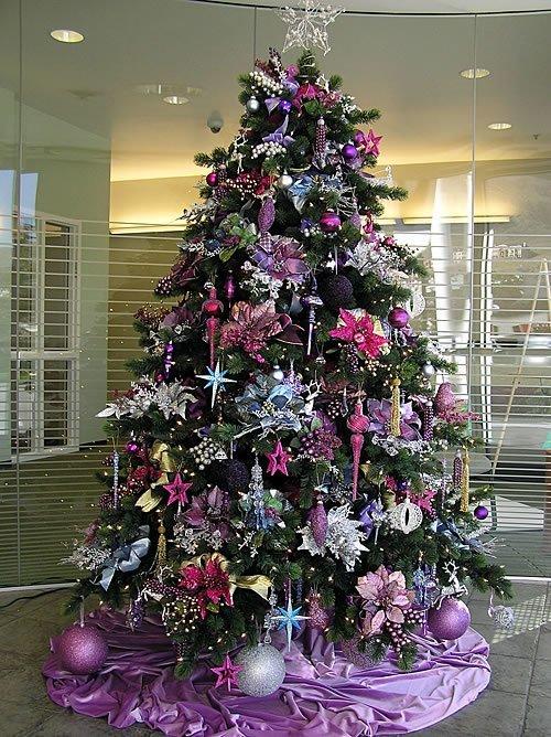 32 adornos y tendencias de arbol de Navidad para decorar reciclando