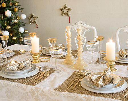 32 ideas de mesas navide as para decorar en navidad for Mesas decoradas para navidad