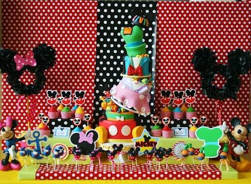 26 ideas muy faciles para armar tu mesa dulce de mickey for Mesas de dulces infantiles