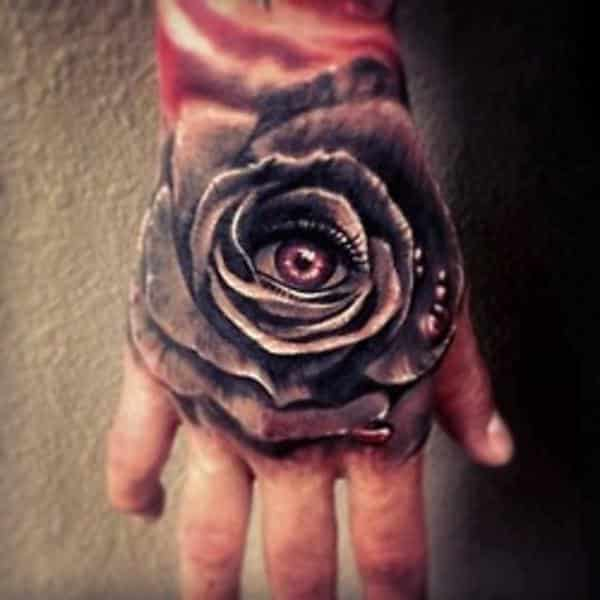 tatuajes en la mano de rosas negras