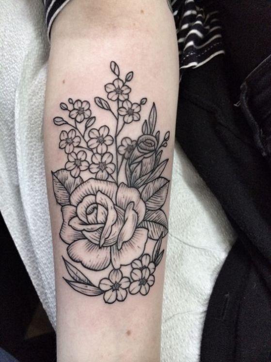 tatuajes para mujeres de rosas en el brazo