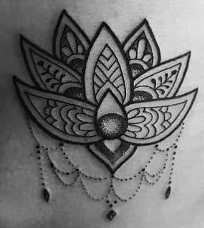 Significados De Tatuajes En Las Costillas Disenos Para Chicas Atrevidas