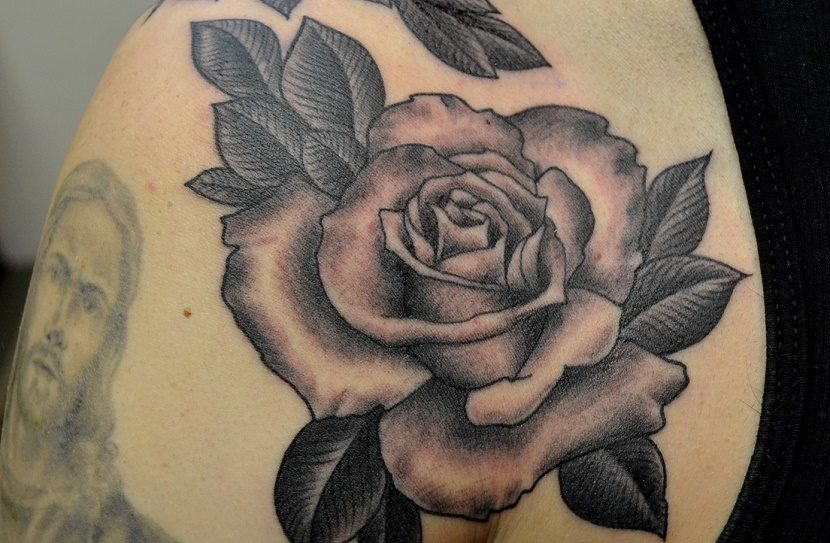 Tatuajes de Rosa en Blanco y Negro