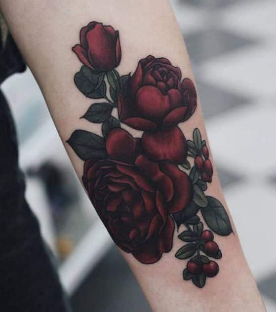 tatuajes-de-rosas-en-el-brazo