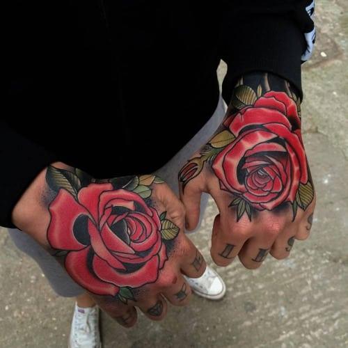 tatuajes de rosas en la mano tumblr